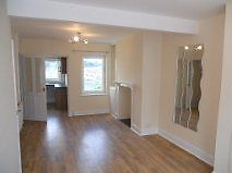 2/ 3 bed house old town SN1