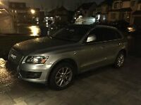 Priced to sell!!! 2010 Audi Q5 SUV with Panoramic roof