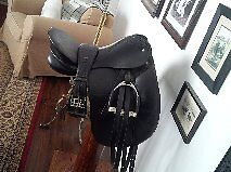 "Schleese med dressage saddle 18""- exc condition"