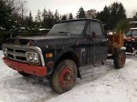 1968 GMC 4X4 à vendre pour pièce   /     1968 GMC 4X4, for sale,