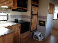 Beautiful Fifth Wheel with Bunk Room and 2 Slides