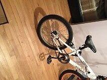 VELO BMX A VENDRE