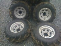 RIMS AND TIRES FROM KVF700 PRAIRIE