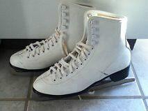 Women Ice skates, size 8 (narrow)