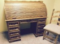 Beautiful vintage solid oak roll-top desk