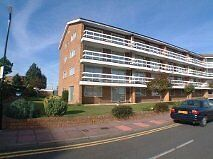 1 bed ground floor flat with large garage 100 yds to sea for SALE