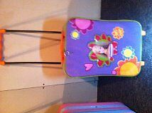toy suitcase on wheels with retractable handle for kids Gatineau Ottawa / Gatineau Area image 2