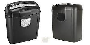 Insignia 6 Sheet Cross-Cut Shredder , Basket with 12 L Capacity , Shreds Papers and credit cards...