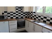 ***5 BEDROOM HOUSE AVAILABLE NOW IN BARKING, IG11 SURRY ROAD, PART DSS ACCEPTED