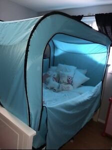 Bed Tent, Excellent Condition
