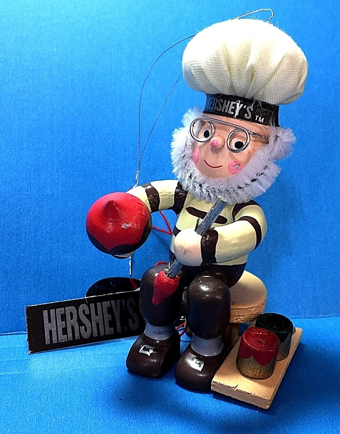 Купить Hershey's Chocolate Kiss Elf Painting A Kiss Wood Ornament 1995