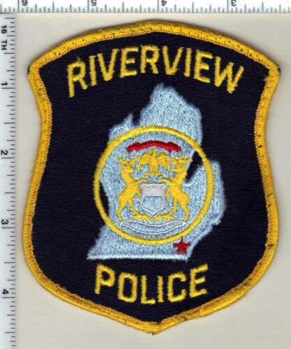 Riverview Police (Michigan) Uniform Take-Off Black Shoulder Patch from 1992