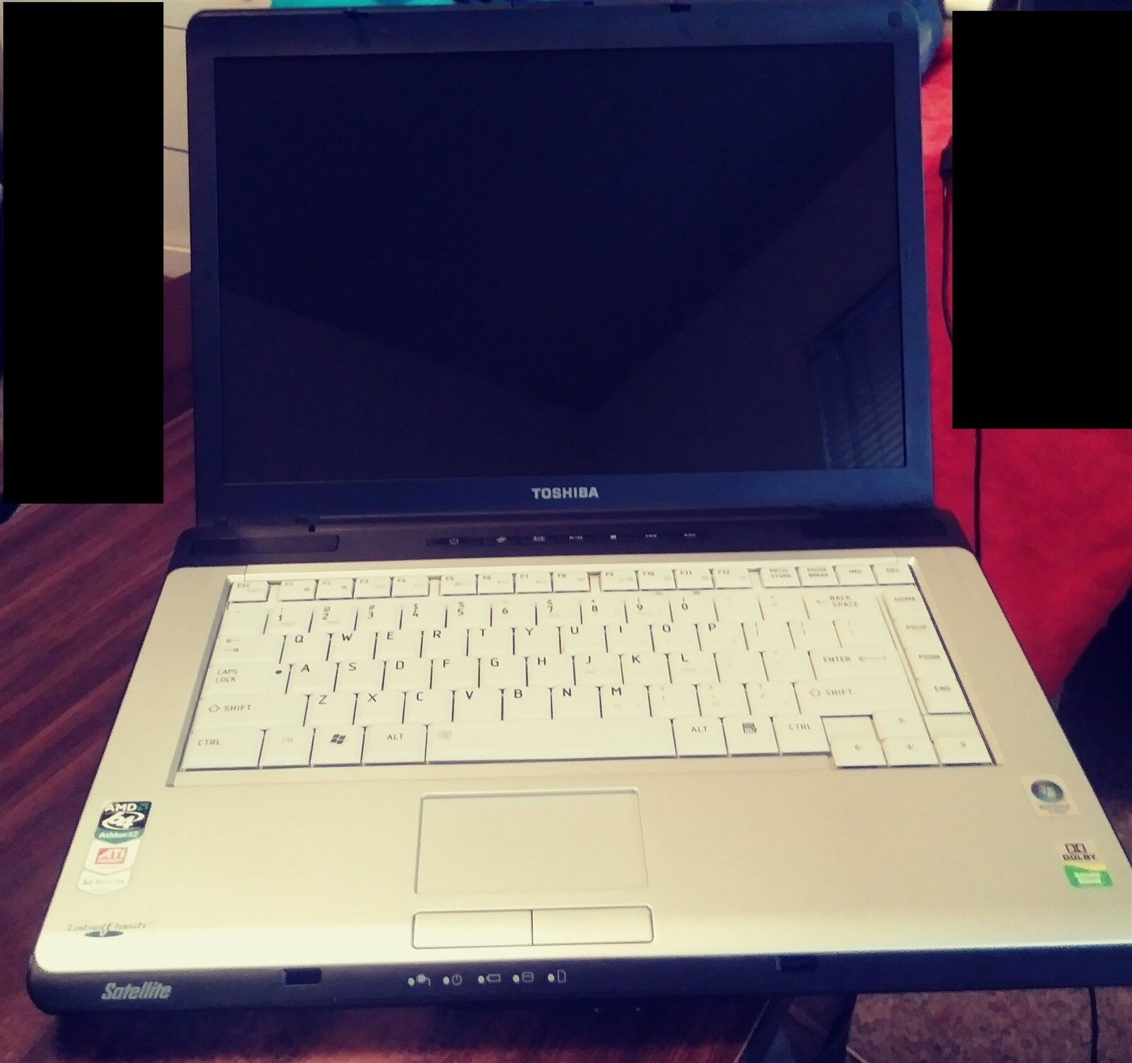 Toshiba Satellite A215 - S7428- AMD - No Hard Drive - 2 GB Ram - Parts or Repair
