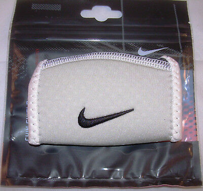 Nike Chin Shield, Chin Cup Sleeve, white, neu, Chin Cup Sleeve