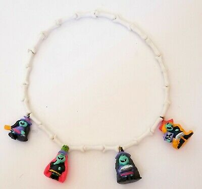 Bone Necklace Halloween (HALLOWEEN BONE NECKLACE WITCHES PENDANT PLASTIC STRETCH NECKLACE)