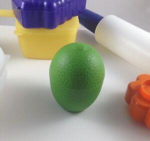 Tupperware Lime/Lemon/ Fruit Kepper