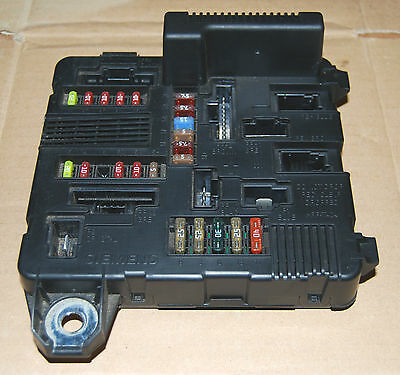 renault clio 3 fuse box layout diagram renault auto wiring renault megane 3 fuse box diagram renault auto wiring diagram on renault clio 3 fuse box