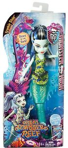 Monster-High-Great-Scarrier-Reef-glowsome-ghoulfish-frankie-stein-muneca