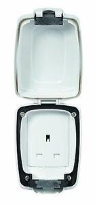 MK Shield K46031 WHI 13A 1 Gang Single Garden Plug Socket Outdoor Weatherproof