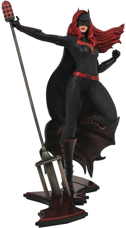 DC Gallery 9 Inch PVC Statue   Elseworld Batwoman
