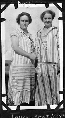 VINTAGE PHOTOGRAPH 1920'S WOMEN GIRLS FASHION FOSSMILL FASSETT CANADA OLD PHOTO for sale  Siletz