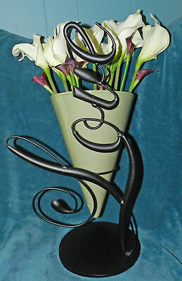 """LOVELY POTTERY CONE VASE WITH BLACK METAL """"LOVE"""" WORD ART HOLDER! UNIQUE!"""