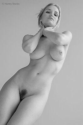 Liz Ashley 5725BW, Black & White Fine art nude, signed photo by Craig Morey