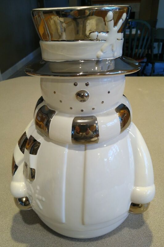Large Snowman Cookie Jar,   Winter White & Chrome Mary Kay inc. Collectibles