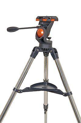 Das AstroMaster Stativ ist eine einfache azimutale Montierung für Ferngläser, Spektive oder kleine Teleskope.
