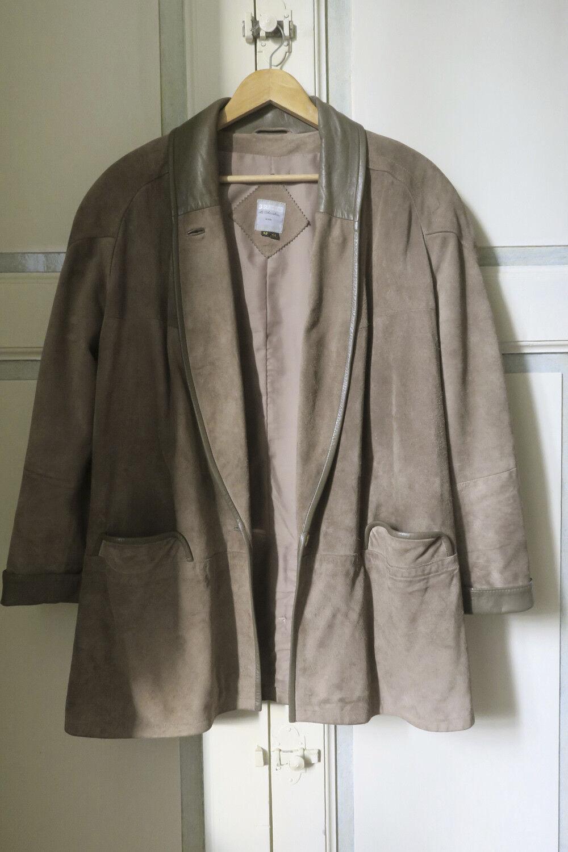 Manteau veste en croute de cuir