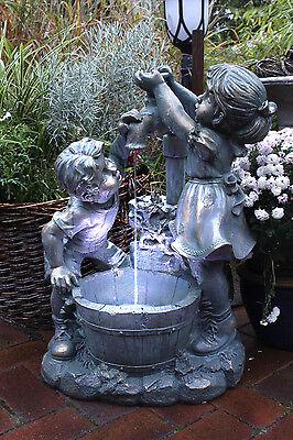 Springbrunnen Gartenbrunnen Wasserspiel Mit Beleuchtung Junge Mädchen Komplett