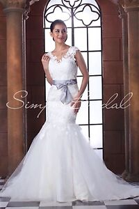 Stunning Ivory Lace & tulle Wedding gown dress size 10-12 Cremorne North Sydney Area Preview