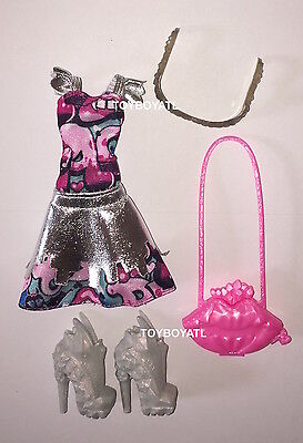 Monster High Boo York Frightseers Draculaura Doll Outfit Clothes Dress Shoes NEW