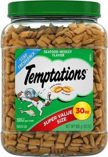 TEMPTATIONS Classic Crunchy and Soft Cat Treats Seafood Medley Flavor , 30 Oz