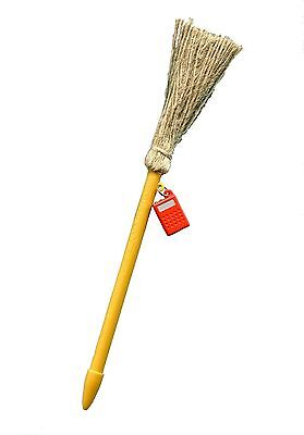 Create magic with this cute broomstick pen