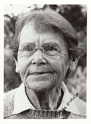Barbara McClintock Originalautogramm auf Großfoto Nobel Medizin 1983  autograph