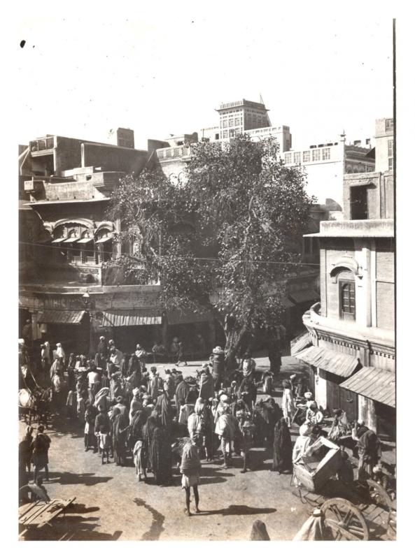 Inde, Amritsar, place et bazar Vintage silver print, voyage de Lucien Bourgogne