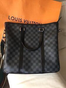 Louis Vuitton men's business Messenger bag Damier Graphite