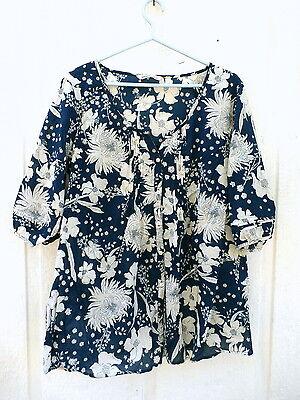 Old Navy Women's Shirt size XL Blue & White Floral Print Blouse 100% Cotton