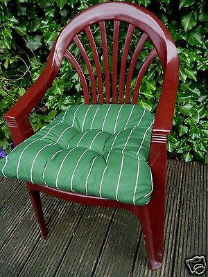 SUN GARDEN Sitzkissen Maira 10cm dick - Grün mit weißen Streifen ca. 49x48x10cm - Grüne Dicke Streifen
