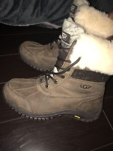 Women's ugg boots size 8