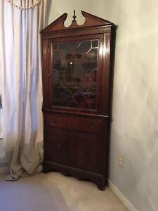 Cabinet (corner) MCLAGAN