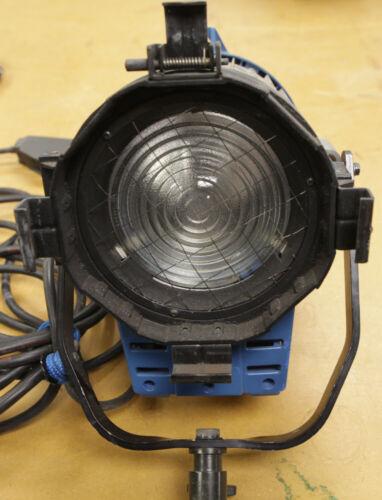 Arri 1000 watt tungsten fresnel light fixture 120V
