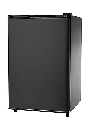 IGLOO 4.6 Cu Ft Mini Fridge / Compact Refrigerator, Black- FR464 - Refurbished