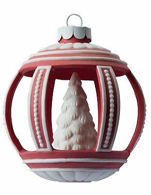 Wedgwood Holiday Tree, Christmas Ornament, Red ROUND BALL NEW  2007