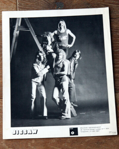 OLD PROMO PHOTO JIGSAW SIGNED BY MEMBERS OF BAND