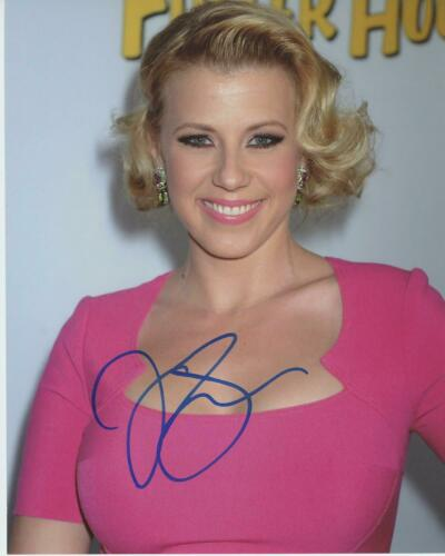 """Jodie Sweetin """"Fuller House"""" AUTOGRAPH Signed 8x10 Photo"""
