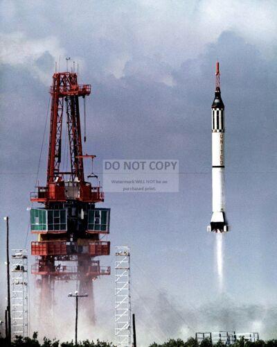ALAN SHEPARD LAUNCH OF MERCURY ASTRONAUT IN FREEDOM 7 - 8X10 NASA PHOTO (BB-082)