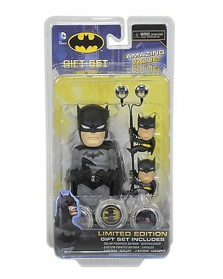 DC Comics Batman Giftset of Body Knocker Scalers Earbuds Hubsnaps NECA