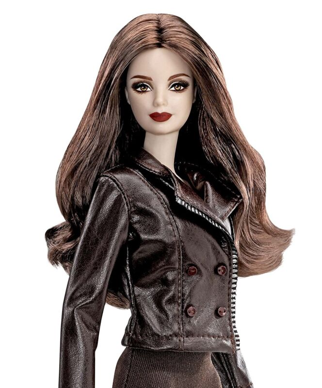 Bella Twilight Saga Breaking Dawn Part 2 Doll - NEW- Barbie Pink Label Collector